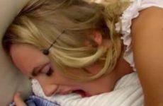 Blondje geil gepaald in gratis lange seksfilm