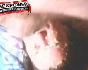 Extreme amateur deepthroat tot kotsen aan toe
